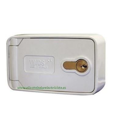 Caja de exterior con pulsador y palanca de desbloqueo